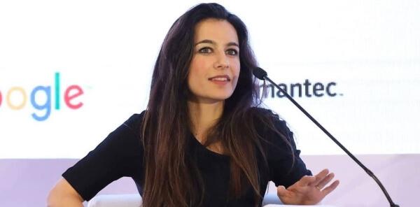 Yalda Hakim